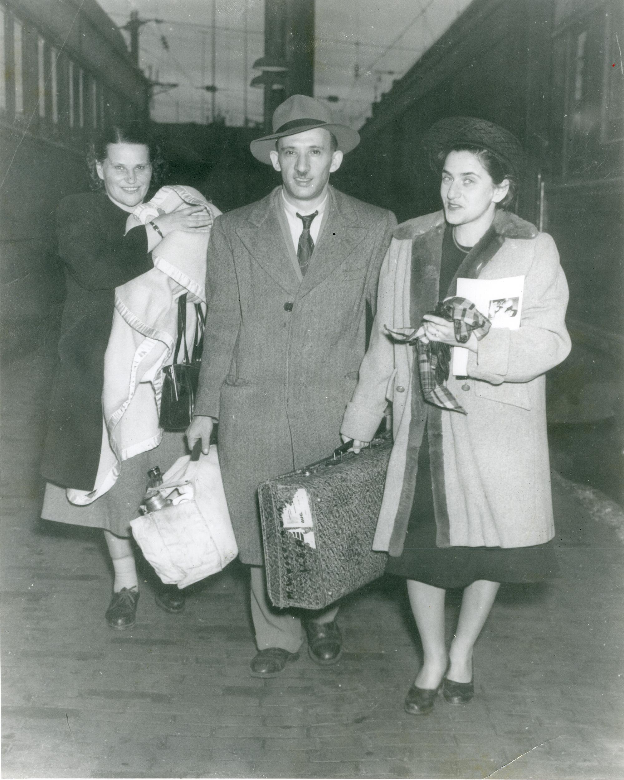 1942 image